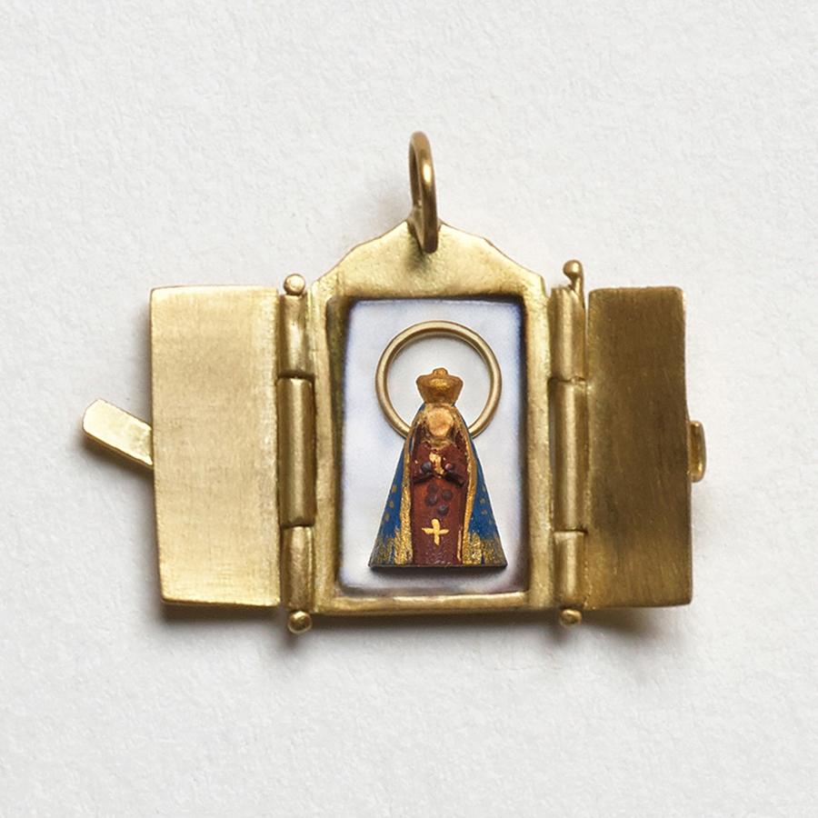 Pingente Oratório de Nossa Senhora Aparecida.