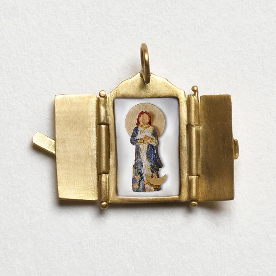 Pingente Oratório de Nossa Senhora da Conceição.